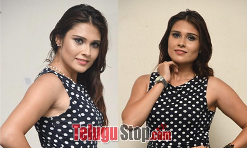 Alexius Macleod New Stills-Alexius Macleod New Stills--Telugu Actress Hot Photos Alexius Macleod New Stills---