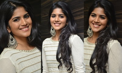 Megha Aakash New Stills-Megha Aakash New Stills---
