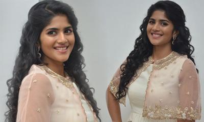 Megha Akash New Stills-Megha Akash New Stills---