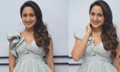 Pragya Jaiswal Stills-Pragya Jaiswal Stills--Telugu Actress Hot Photos Pragya Jaiswal Stills---