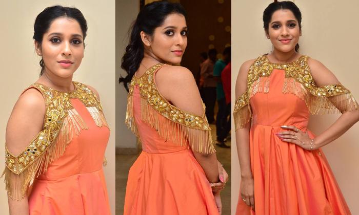 Rashmi Gautam New Stills- Telugu