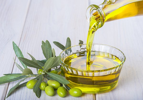 How To Get Rid Of Stretch Marks Using Olive Oil-