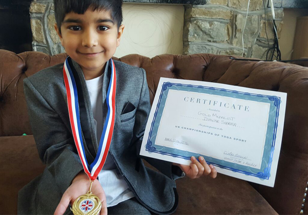 Indian Boy Eswar Got British Of The Year Award-