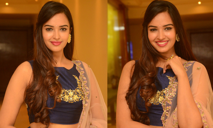 Poojitha Ponnada New Photos--Poojitha Ponnada New Photos-
