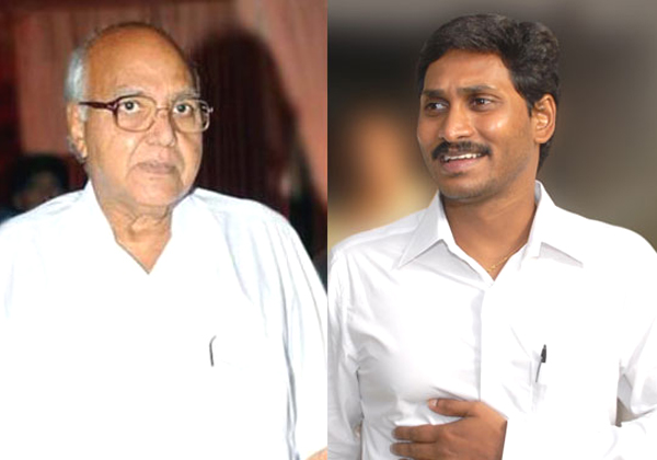 Re Break Up Between YS Jagan And Ramoji Rao-