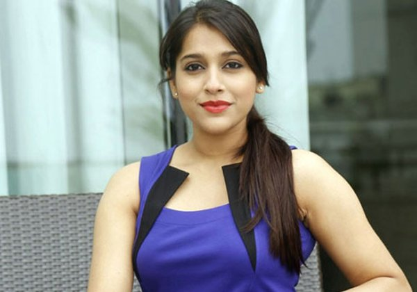 Anchor Rashmi Gives Strong Counter To Netizen About Her Director-