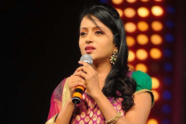 Anchor Suma Talking About Star Mahila Show Stopping-