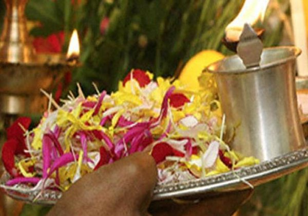Everything You Need To Know About Flowers Offered Hindu Deities-
