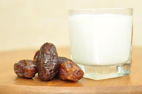 Health Benefits Of Drinking Dates Milk-