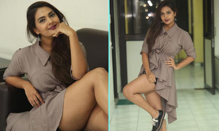 Neha Deshpande New Pics--Telugu Actress Hot Photos Neha Deshpande New Pics--Neha Deshpande New Pics-