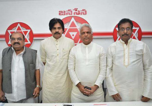 Pawan Kalyan Discard About Members In Janasena Party-