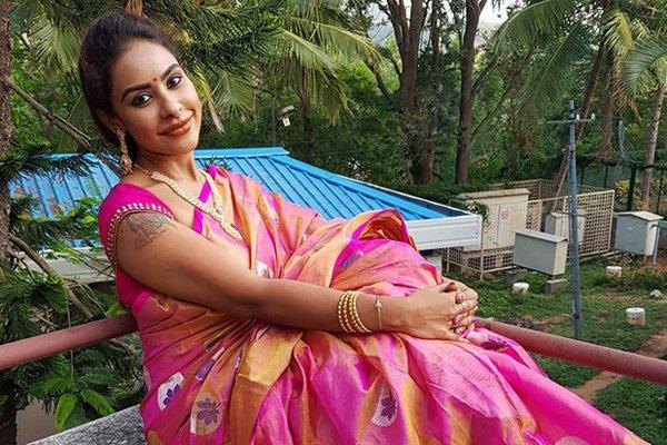 Sri Reddy Back Step On Her Biopic-