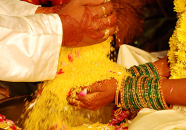 Why We Are Using Akshintalu In Indian Marriages-