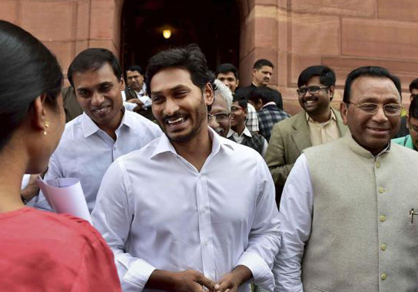 YS Jagan Flop To Solve Partry Inner Problems-