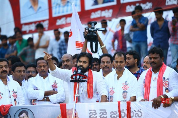 Pawan Kalyan Wants To Stay At Kakinada For Election Campaign-