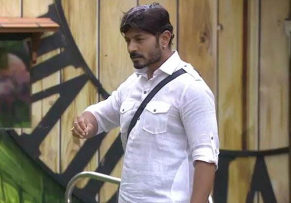 Big Boss Telugu 2 Ganesh Following Kathi Mahesh-