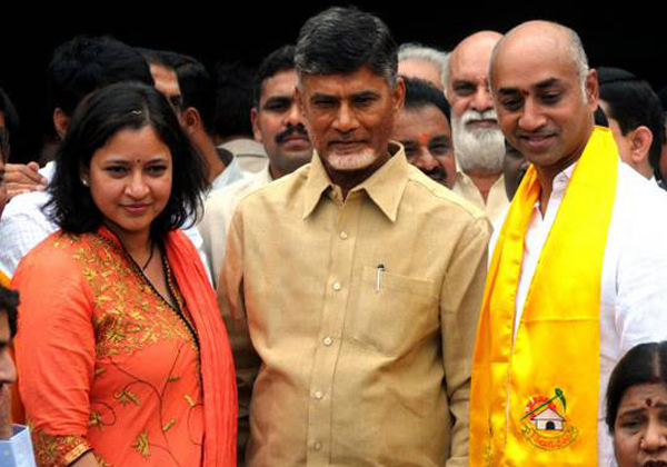 Chandrababu Naidu Over Think about TDP Candidate From Chandragiri-Chandrababu Naidu,Elections In Ap. Ap Politics Updates,Galla Arunakumari,TDP