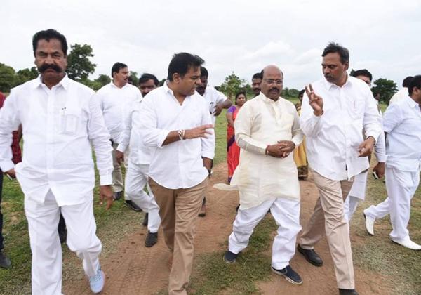 KCR Great Announsment Before Pragathi Nivedana Sabha-