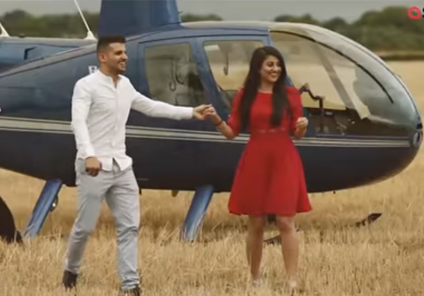 Man Proposes To Sci-fi Fan Girlfriend In A CROP CIRCLE-