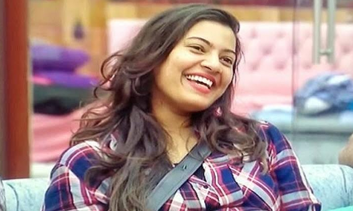 Netizens trolls geetha madhuri bigg boss comments-Bigg Boss2 Telugu Tittle Winner,Geetha Madhuri,kaushal Army,Netizens Trolls,Samrat