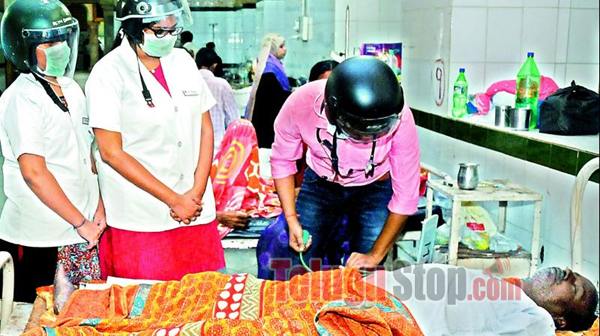 Osmania Hospital Docs Wear Helmets To Protest Unsafe Structure-