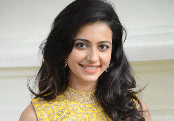 Rakul Preet Busy With Bunch Of Movies In Bollywood And Kollywood-