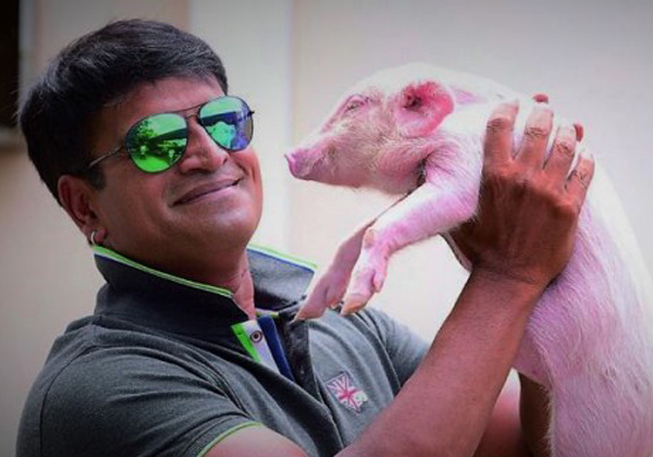 Ravi Babu Starts A Pig Farm For Adhugo-
