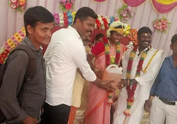 The Viral Photo Of 5L Petrol Gift In Marriage Groom-