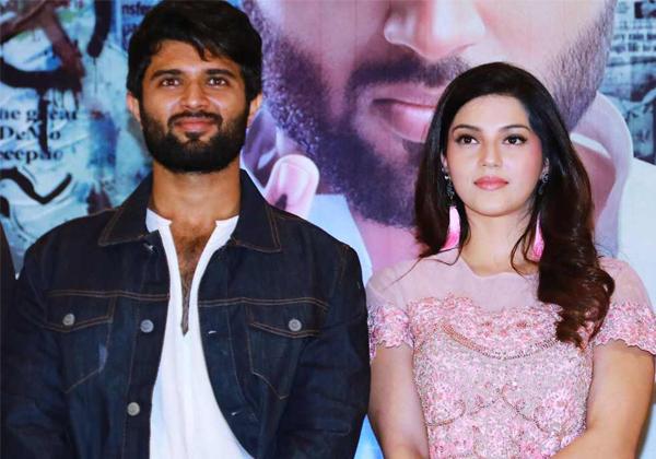 Vijay Deverakonda To Go Back Arjun Reddy Mood With NOTA Movie-