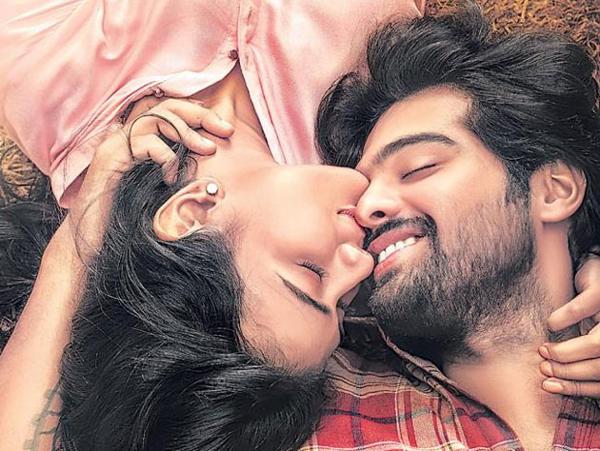 Hebah Patel About 24 Kisses Movie-