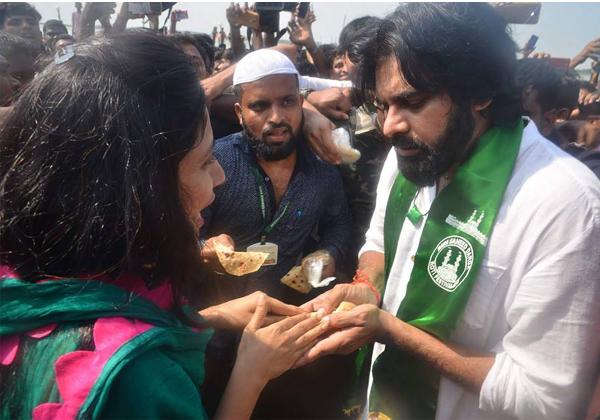 Pawan Kalyan At Rottela Panduga In Nellore-
