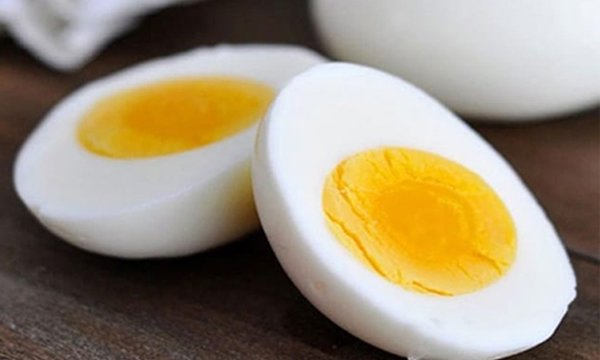 What Should One Prefer In Egg White Or Yolk-