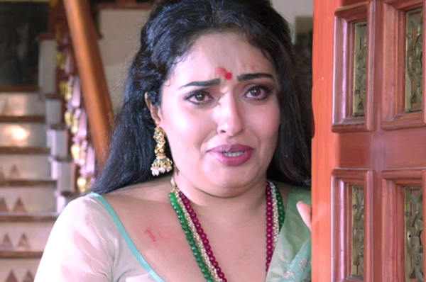 Actress Mumtaj Slaps Movie Director-