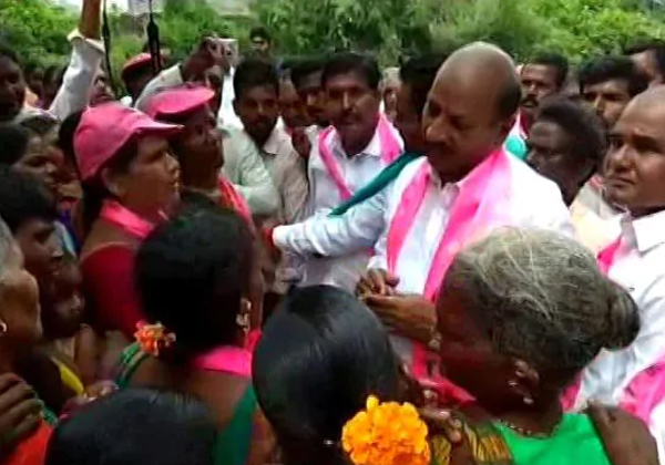 Allegations On TRS At Elections Campaigning-