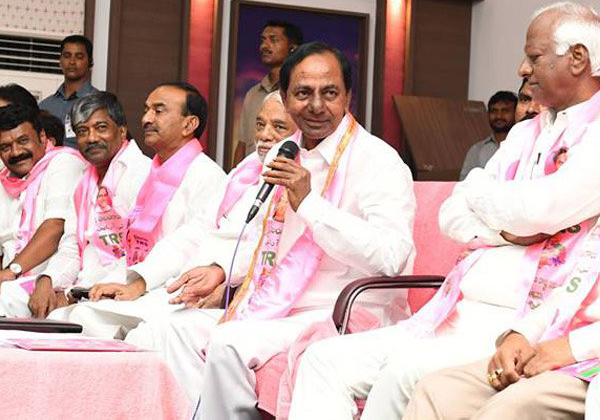 KCR Manifesto Better Than Congress Manifesto-