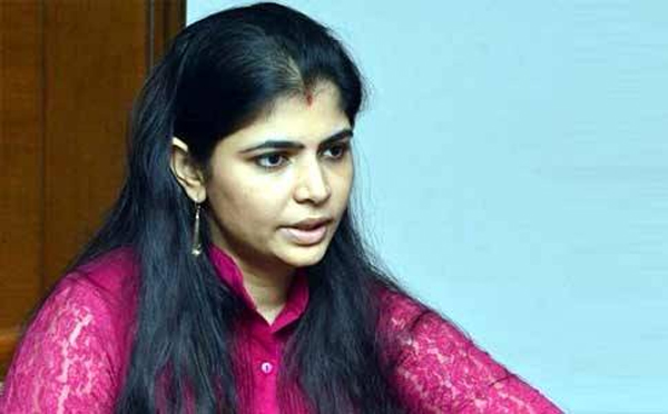 Media Irritates Singer Chinmayi With Questions-