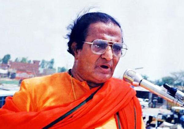 Same Attack Done At 1984 On Sr NTR Like YS Jagan Attack-