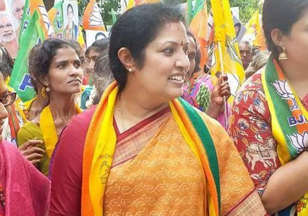 Sr NTR Daughter Purandeswari Wants To Join In TDP Party-