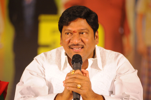Sri Reddy Targets Rajendra Prasad-