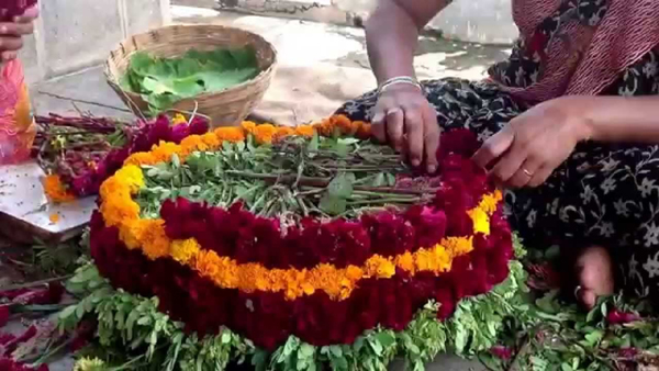 Things You Need To Know About Bathukamma-