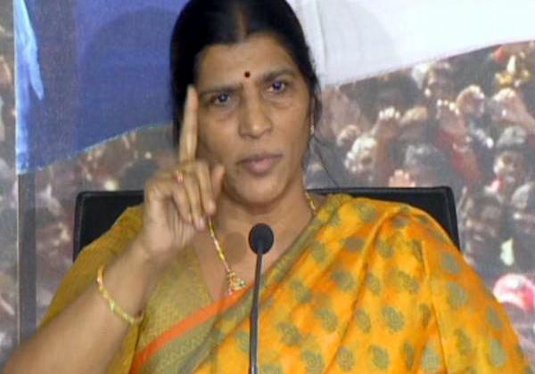 Lakshmiparvati Fires On Chandrababu Bihavior Overs Jagan Attack-