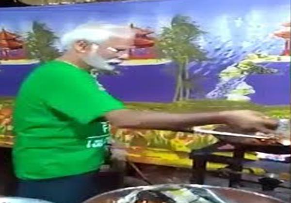 Prime Minister Narendra Modhi Doop Was Making Manchuriya-
