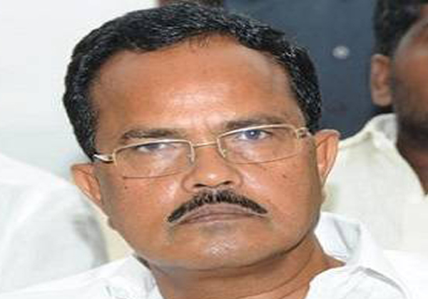 Attack On Congress Leders To Motkupalli Narasimhulu-