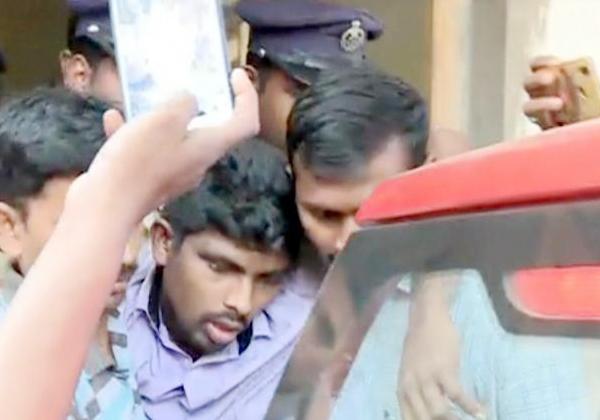 Jagan Case Accused-srinivasarao Effected Health Problem-