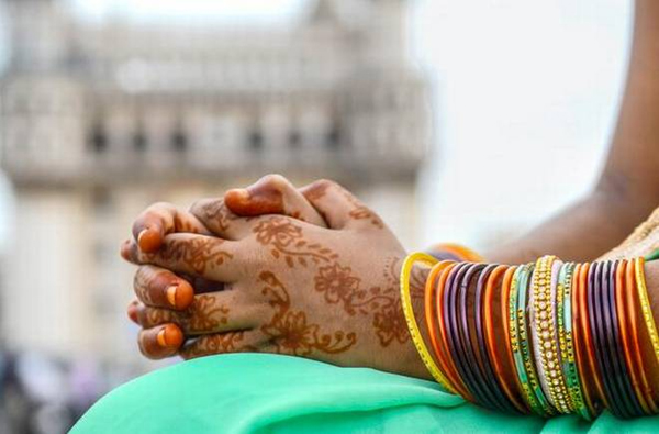 NRI Accused Of Hiding Marriage In Europe-Andhra Pradesh Nri Vastrapur