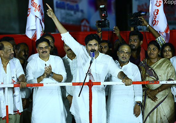 Pawan Kalyan Sensational Comments On Balakrishnas-