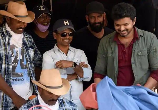 Sarkar Movie Troubled With Anna DMK Party-Keerti Suresh Murugudas Sarkar Theale Vijay