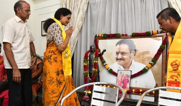 Unknown And Interesting Facts About Nandamuri Suhasini-Kukatpally Constituency Suhasini TDP