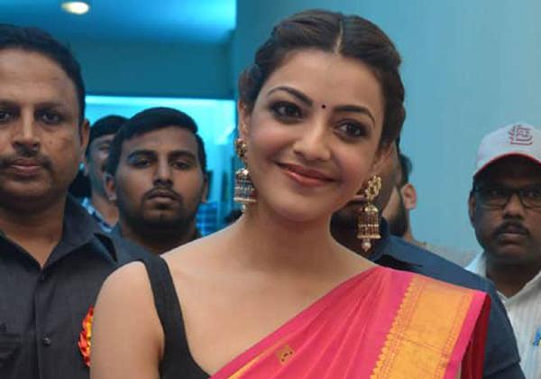 Journalists Angry On Kajal Agarwal At Kavacham Movie Media Meeting-Kajal Meeting