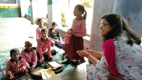 Mala Srivastava Takes Out Time To Teach In Govt Schools-Mala Ias Unknown Facts About Viral